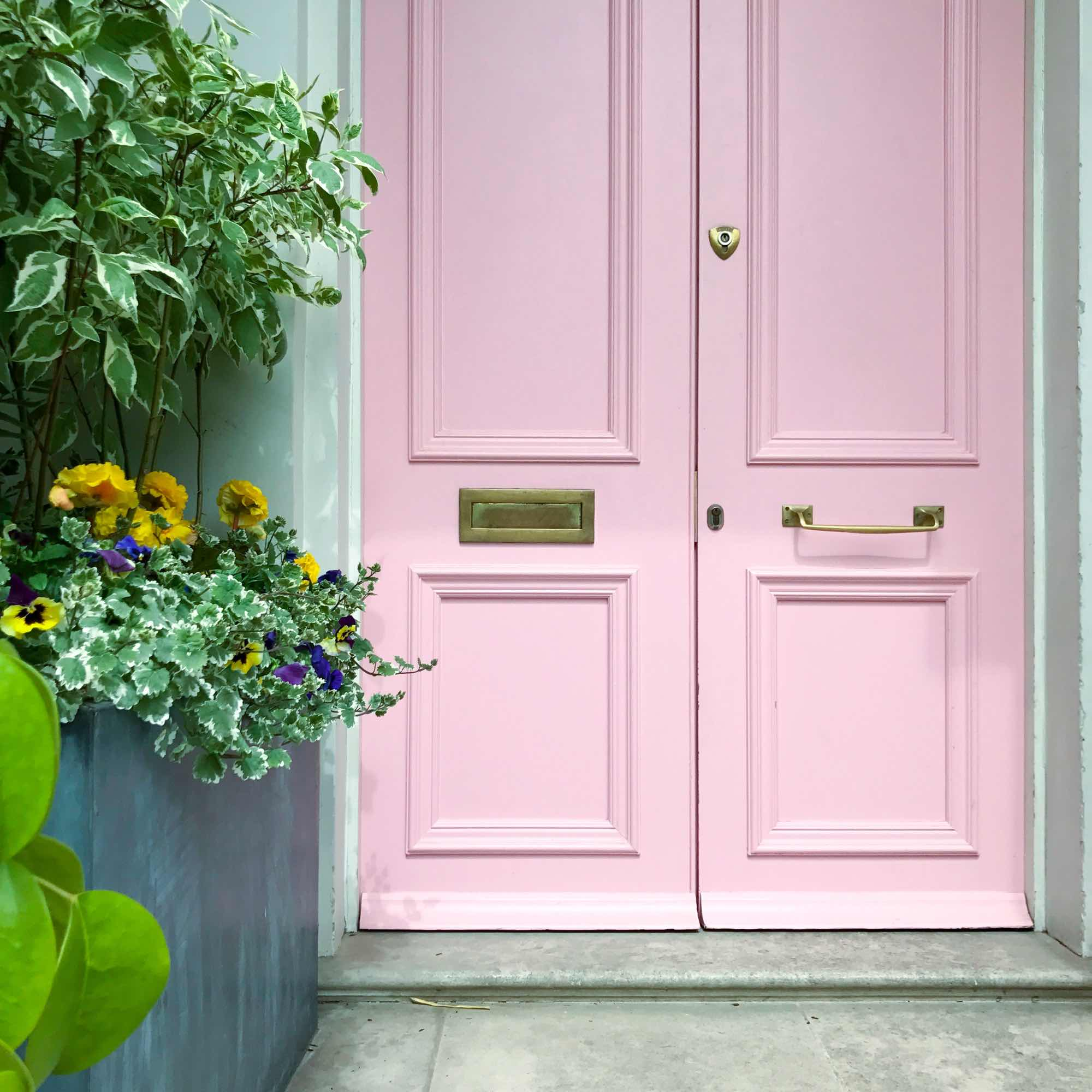 Pink door in Notting Hill
