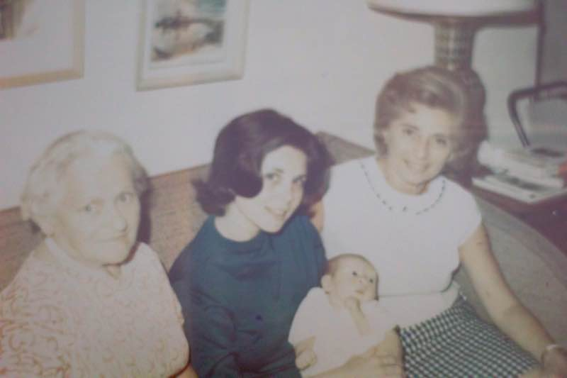 Novelist Jane Mendelsohn at home, 4 generations of women | Fabulous Fabsters