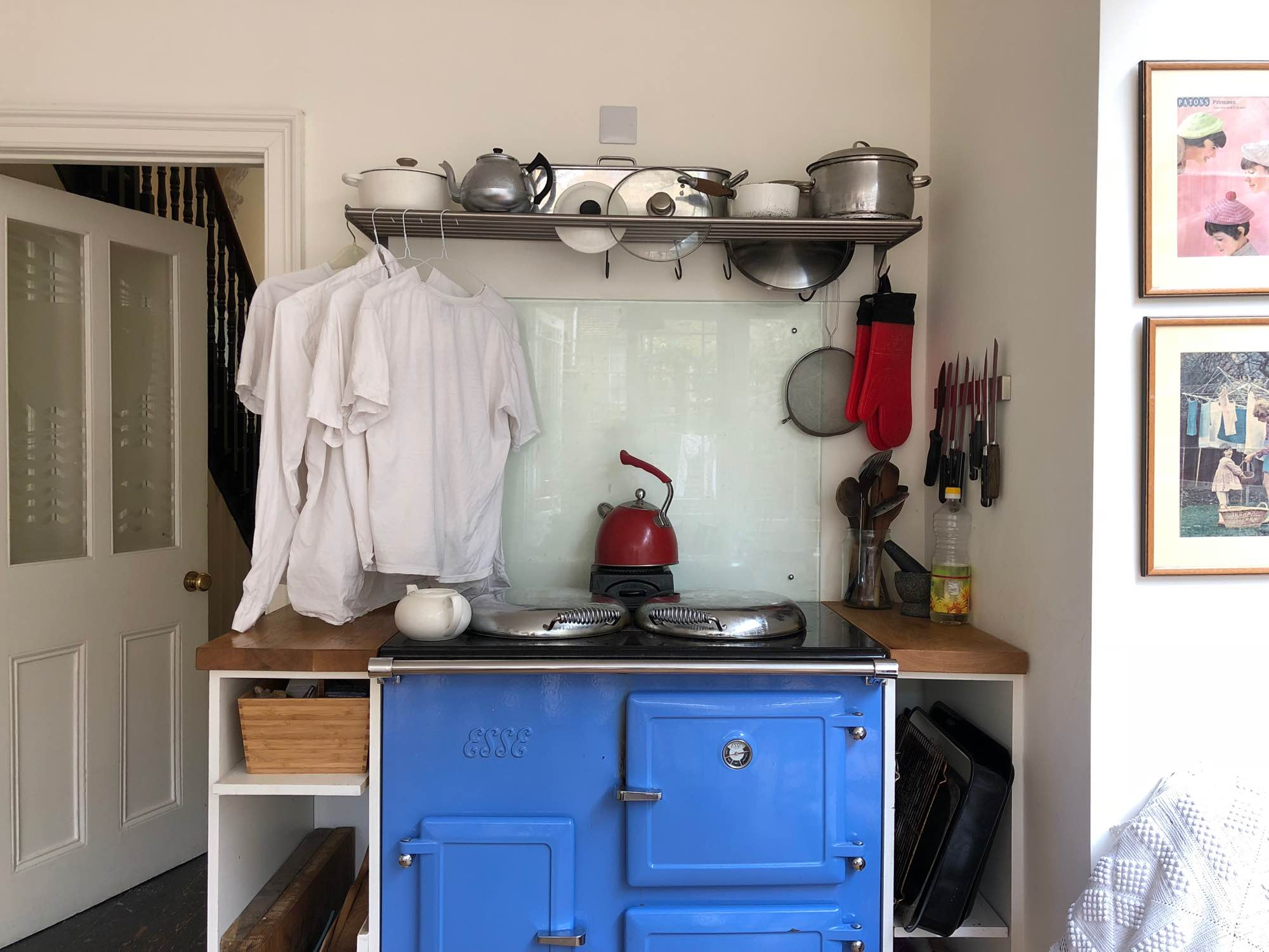 Blue aga in London kitchen of Victoria Hull and Tom Hodgkinson — Fabulous Fabsters